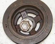 03-10 MICRA K12 1.0 1.2 1.4 CRANKSHAFT CRANK PULLEY WITH BOLT - FREE NEXT DAY