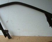1994 AUDI 80 SPORT SALOON RIGHT FRONT DRIVERS DOOR WINDOW FRAME & SEAL