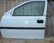 Vauxhall Vectra B 1995 2002 near side front (left) door in white